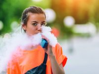 8 Signs That Your Kids May Be Vaping